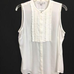 Tops - ☘️Larry levin white sleeveless blouse
